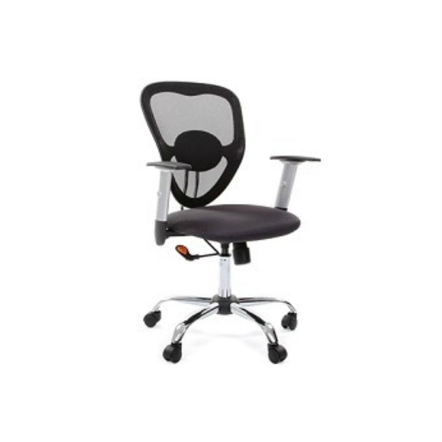 Офисное кресло Chairman 451 TW-12 серыйОптимальный вариант для организации рабочего места в офисе. Эргономичная форма кресла с лёгкостью подстроится под любую комплекцию пользователя. При необходимости высоту сиденья можно отрегулировать и зафиксировать в нужном положении. Для обивки кресла используют современный материал - акрил. Лёгкий дышащий полимер, который обеспечит оптимальную поддержку. Хромированная крестовина придаёт креслу лаконичный внешний вид. Прекрасно впишется в любой интерьер.<br>