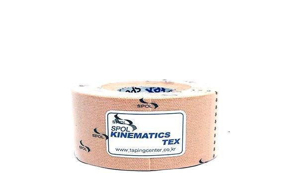 Кинезио тейп SPOL TAPE Kinematics Tex бежевый 3,75см х 5мКинезио тейп &amp;mdash; это эластичная лента из хлопка, на которую нанесён гипоаллергенный клей на акриловой основе. Применяется в спорте, реабилитации, массаже, фитнесе и т.д.&#13;<br>&#13;<br>Линейка стандартных кинезио тейпов SPOL TAPE обладает высокими эластическими характеристиками, имеет основу средней плотности с нанесённым на неё средним количеством клея.&#13;<br>&#13;<br>Стандартные кинезио тейпы подходят для использования в большинстве случаев.<br>