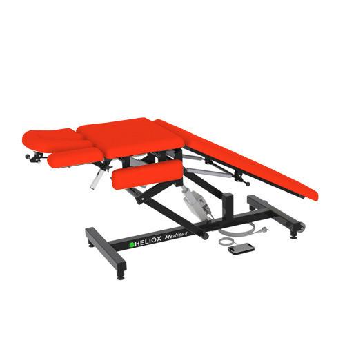 Массажный стол Heliox Medicus Pro Красный (с электроприводом)Этот инновационный массажный стол, может быть использован специалистами множества направлений. Второй электропривод позволяет плавно регулировать положение средней(грудной) секции, в том числе под нагрузкой, а система газовых амортизаторов делает удобной работу с задней(для ног) секции ложа. Оригинальная конструкция рамы стола обеспечивает удобную работу врача с пациентом с любой стороны стола, а также позволяет проводить регулировки ложа и подголовника во множество положений.<br>