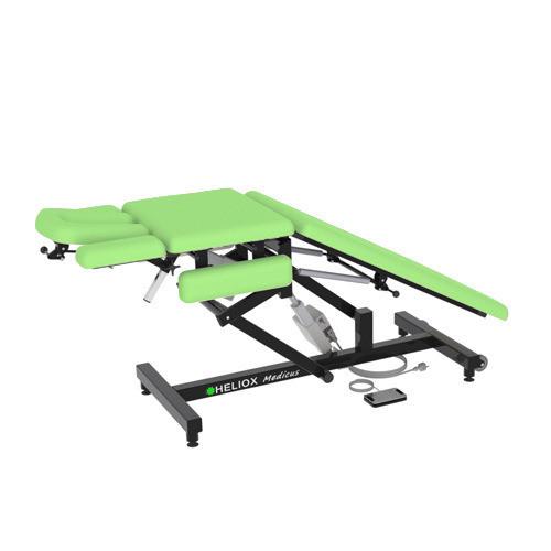 Массажный стол Heliox Medicus Pro Зеленый (с электроприводом)Этот инновационный массажный стол, может быть использован специалистами множества направлений. Второй электропривод позволяет плавно регулировать положение средней(грудной) секции, в том числе под нагрузкой, а система газовых амортизаторов делает удобной работу с задней(для ног) секции ложа. Оригинальная конструкция рамы стола обеспечивает удобную работу врача с пациентом с любой стороны стола, а также позволяет проводить регулировки ложа и подголовника во множество положений.<br>