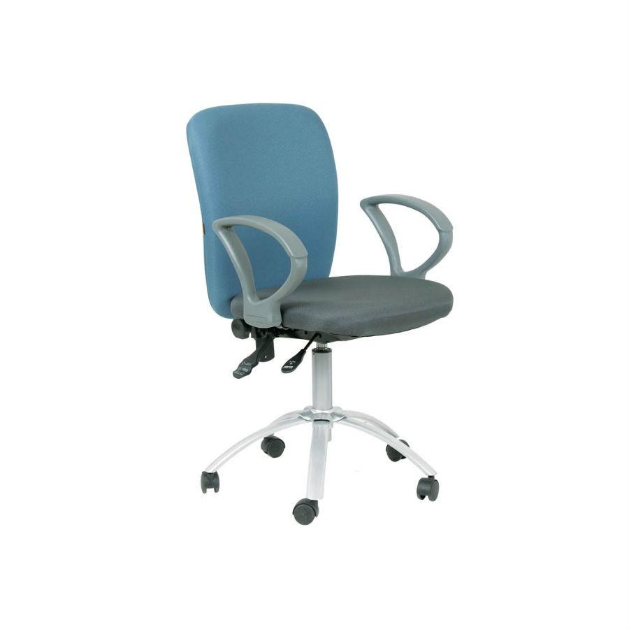 Офисное кресло Chairman 9801 сид 15-13 серый, сп15-41 синийКресла коллекции Chairman 9801 станут отличным дополнением любого офисного помещения. Строгий дизайн и благородные расцветки прекрасно подойдут под любой стиль интерьера. Кресла обиты тканью, которая устойчива к истиранию и не требует дополнительного ухода. Эргономика кресла обеспечит оптимальную посадку и комфорт. При необходимости кресло можно настроить&amp;nbsp;под индивидуальные параметры. Крестовина с колёсиками для обеспечения максимального комфорта.<br>