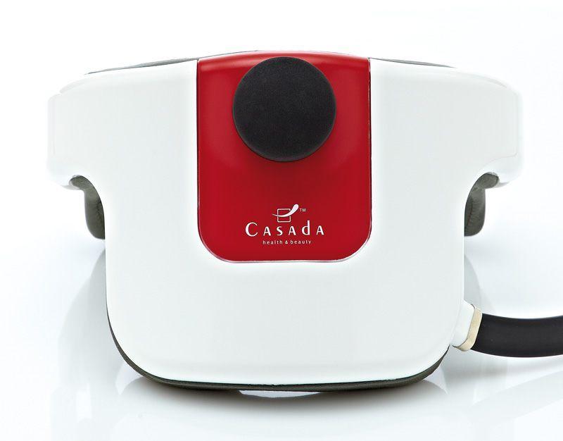 Массажер для головы Casada Dr. MindМассажеры<br>Уникальная разработка от фирмы Casada, новый массажер для головы Dr. Mind. Располагается на голове и управляется при помощи пульта, подключенного к нему. В процессе массажа производится воздействие на различные аккупунктурные точки, расположенные на лбу, затылке и висках.&amp;nbsp; Это помогает улучшать циркуляцию крови, увеличивает поступление кислорода к клеткам, а так же снижает артериальное давление и снимает головные боли. Функции прогрева и вибрации усиливают эффект массажа.<br>