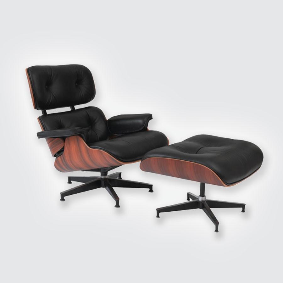 Кресло Eames Style Lounge Chair &amp; Ottoman Black Premium U.S. VersionКресло Eames Lounge Chair, вынесенное на суд публики в 1956 г., стало результатом многолетних творческих экспериментов и поиска оптимальной конструкции. Началом его рекламной кампании стала презентация, организованная Германом Миллером (Herman Miller) на NBC. В телепрограмме Арлин Фрэнсис &amp;laquo;Дом&amp;raquo; , на которую была приглашена чета Имс, зрители США впервые увидели это кресло .<br>