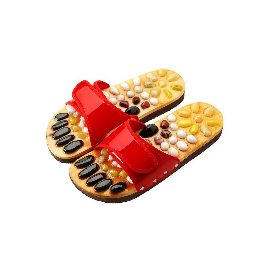 Массажные тапочки Casada Stone Steps красный60 биологически-активных точек расположены на наших ступнях. Разминайте эти точки и снимайте напряжение всего тела.&amp;nbsp;54 натуральных камня на подошве. Теперь вы можете делать массаж ног просто прогуливаясь.<br>