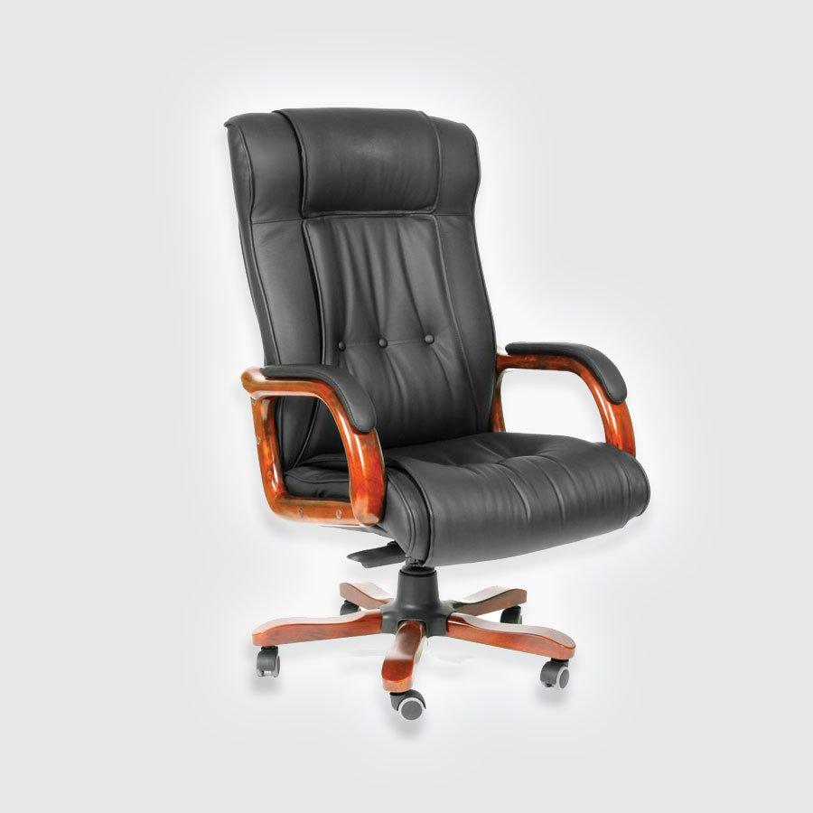 Кресла для руководителя CHAIRMAN 653 чёрная кожаКресло CHAIRMAN 653 &amp;ndash; это одна из тех моделей, которая сочетает в себе многочисленные достоинства и практически лишена недостатков. Если начать рассмотрение, то необходимо в первую очередь отметить привлекательный внешний вид. Он достаточно респектабелен для того, чтобы представлять статус любого начальника. Кресло CHAIRMAN 653 обладает обивкой из кожи, имеющей не только красивые внешние данные, но и высочайшее качество.<br>