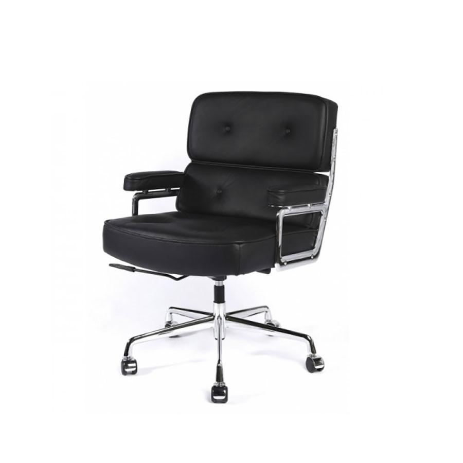 Кресло Eames Style Lobby Chair ES104 черная кожаПервое впечатление, которое складывается от этого кресла - лаконичность и простота. Знаменитая модель была разработана для оформления самого Рокфеллер-центра. Довольно популярно и в настоящее время.<br>