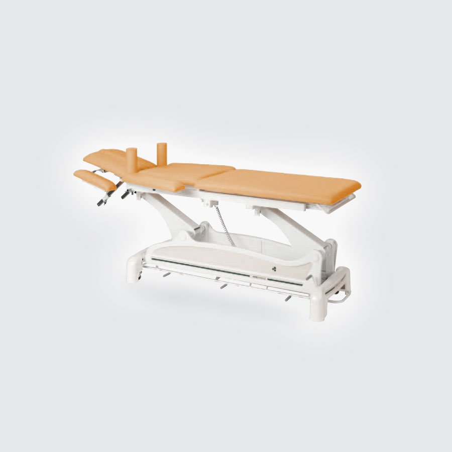 Массажный стол Ecopostural C-3532 RСтационарный массажный стол Ecopostural С-3532 R оснащен электрическим подъемником, позволяющим без усилий отрегулировать высоту стола в допустимом интервале. Секции ложа&amp;nbsp; массажного стола имеет множество возможностей для регулировки для создания максимально удобного положения тела пациента. Стол оснащен боковыми и фронтальными подлокотниками.<br>