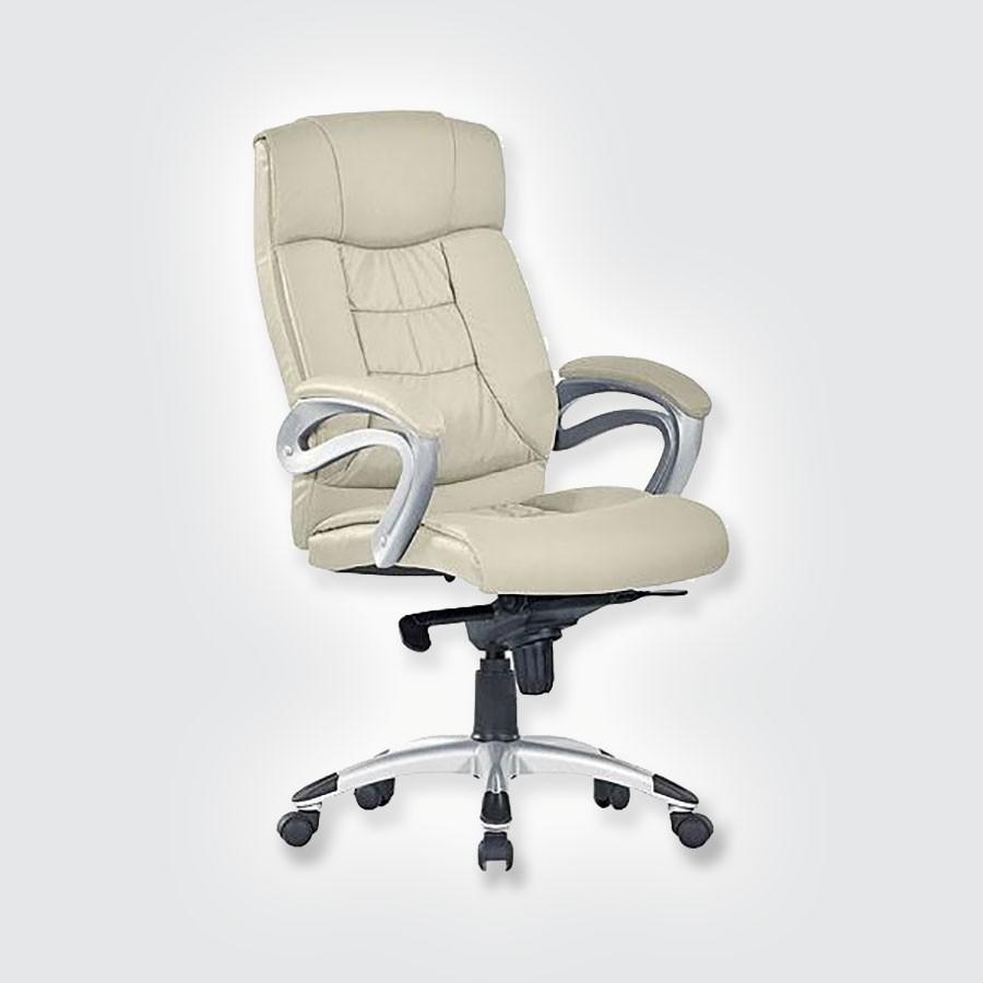 Кресло руководителя Good-Kresla George beigeВ дизайне кресла George выдержан строгий баланс между яркими запоминающимися деталями и элегантностью формы. Оригинальные подлокотники прекрасно сочетаются с анатомической спинкой и массивным подголовником. Все месте эти детали не позволят спутать George ни с одним креслом, представленным на рынке. Дизайн офисного кресла очень функционален. Конструкция подголовника способствует полному расслаблению шеи во время отдыха.<br>