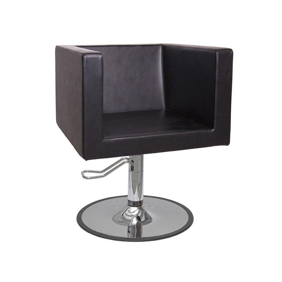Кресло парикмахерское Имидж Мастер ДоминоДизайнерское кресло для парикмахерской ДОМИНО, выполненное в строгой форме и единой конструкции. Все элементы, составляющие кресло: спинка, сиденье и подлокотники выполнены в единой кубической конструкции. Для больше удобства спинка немного наклонена наружу.<br>