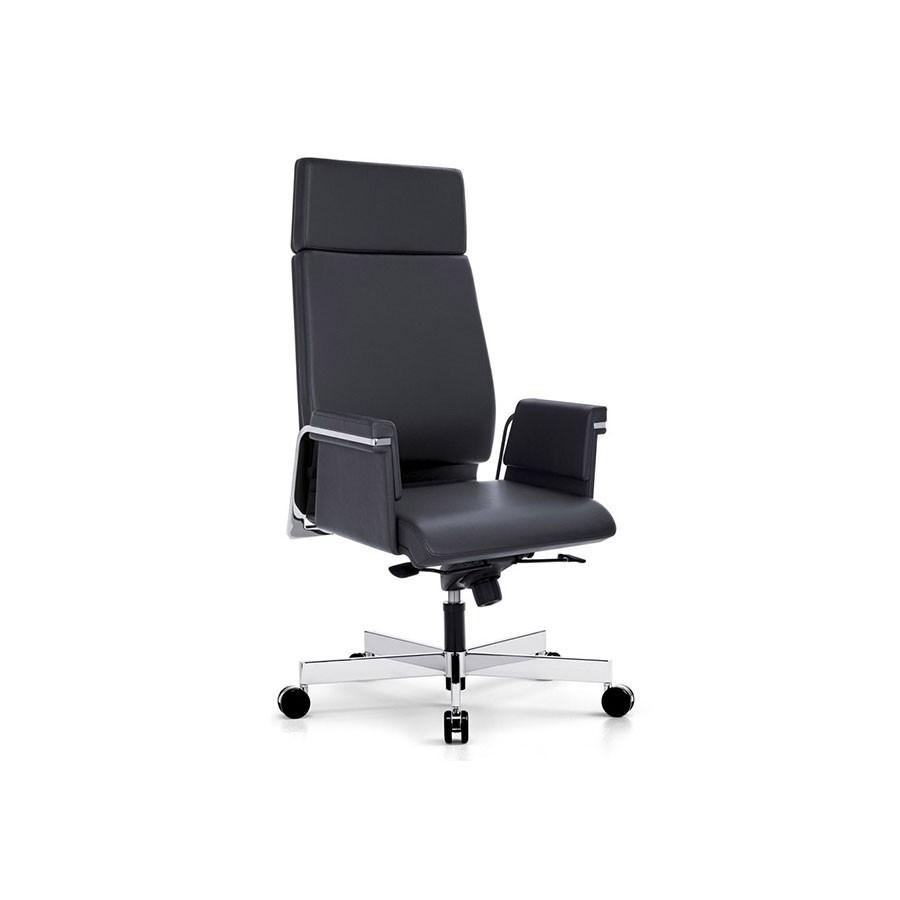 Кресло Scott Howard Interstuhl AXOS с высокой спинкой черноеОтличное решение для людей, которые ценят изящество форм в сочетании с деталями. солидность креслу придают хромированные детали в сочетании с натуральной кожей чёрного цвета. Надёжная конструкция обеспечивает комфортную посадку. Кресло без труда повторяет все движения.<br>