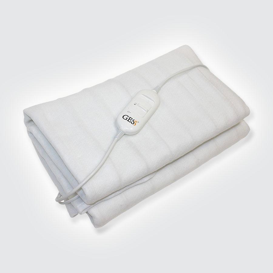 Электропростынь GESS SensoryЭлектропростынь Sensory рассчитана на односпальную кровать (145х80см) и легко крепится при помощи специальных ремней. Вы сможете без труда поддерживать чистоту электропростыни, ведь ее можно стирать в стиральной машине.<br>