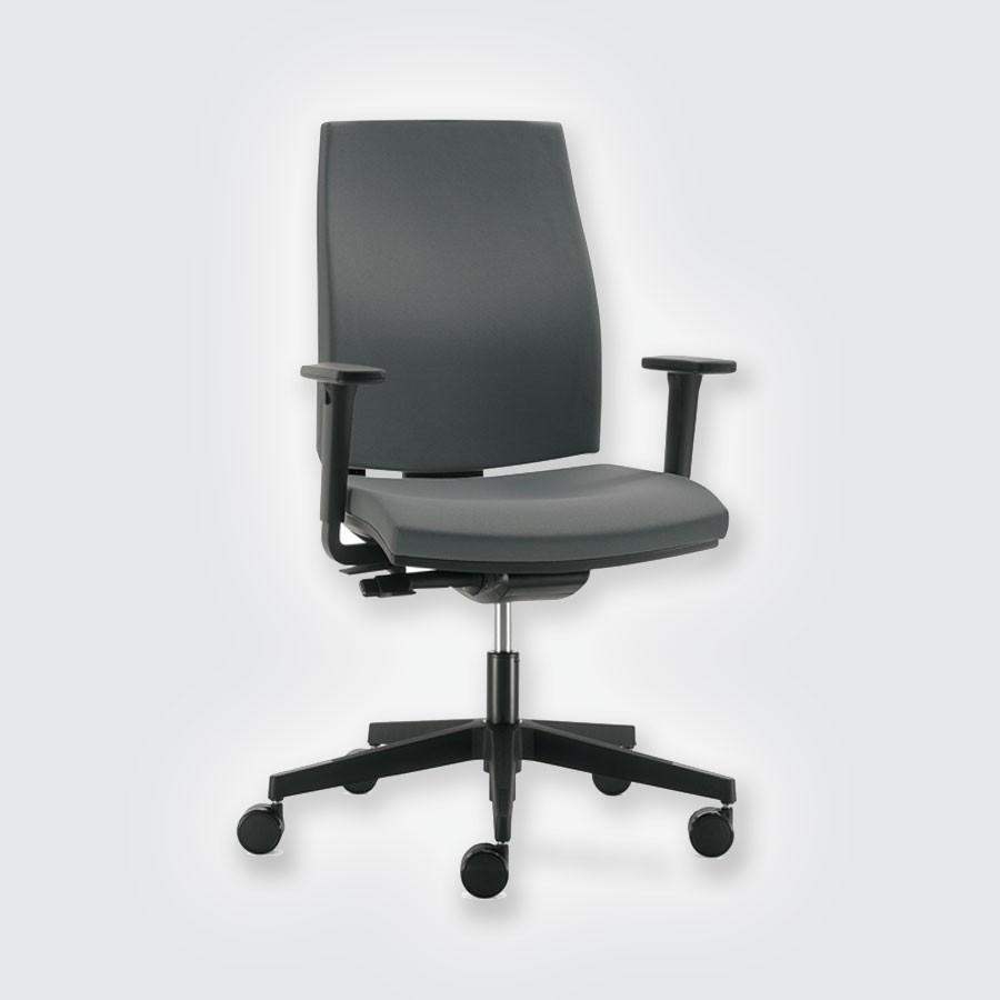 Дизайнерское офисное кресло Scott Howard JobКресло Job &amp;ndash; это использование новых технологий, это большое количество дополнительных опций и богатая палитра возможных вариантов обивок.<br>