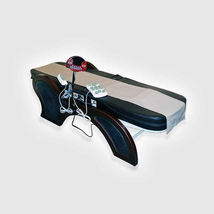 Массажная кровать Takasima A-810В основе работы массажной кровати А-810 лежит микрокомпьютер, который координирует все ее действия. Умная система A-810 поддерживает множество эффективных программ массажа, а также реализует функцию автоматической регулировки кровати в зависимости от параметров вашего телосложения и желаемого угла наклона. Массажная кровать оснащена специальными роликами, выполненными из нефрита, и способными генерировать длинноволновые инфракрасные лучи.<br>