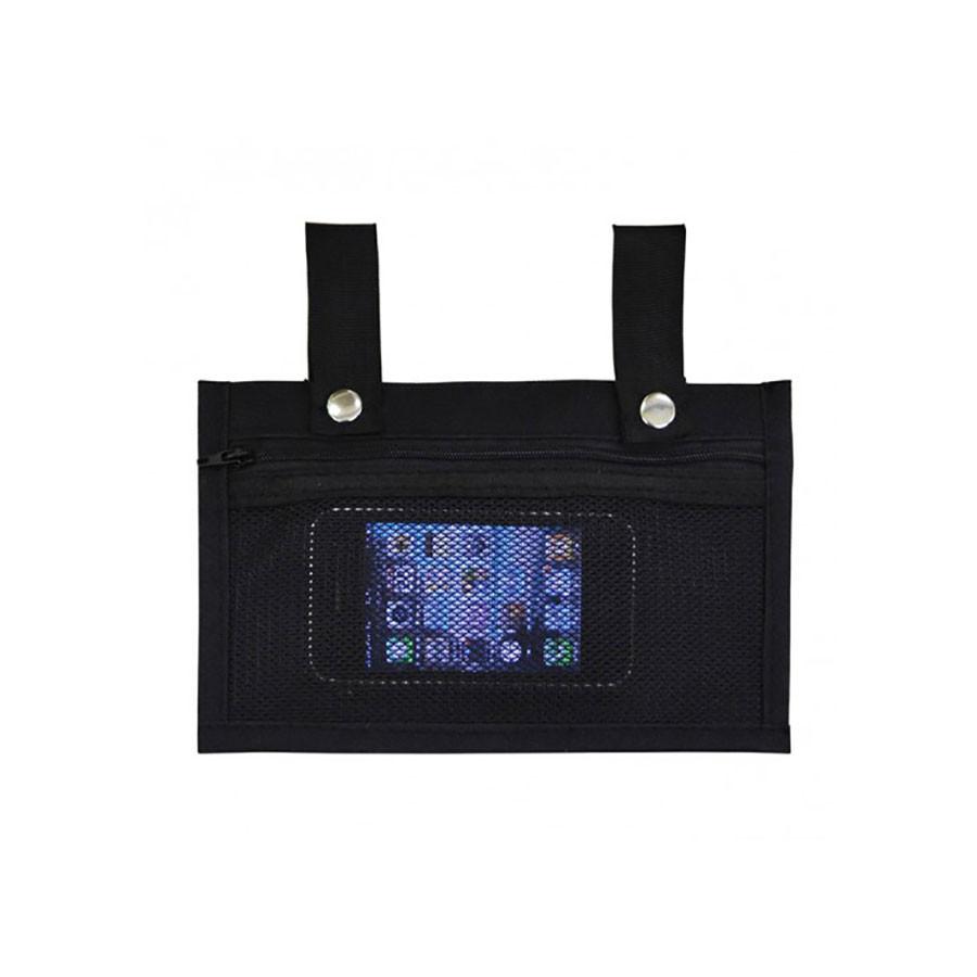 Карман-сумочка US MEDICA USM-013Кармашек для ценных вещей USM-013 представляет собой весьма полезный и, в некоторых случаях, просто необходимый аксессуар, который, в принципе, относится к категории массажного оборудования, так как предназначен для хранения мелких вещей на время проведения сеанса массажа. Кармашек имеет специальную систему креплений в форме петель, которые фиксируют его на подголовнике массажного стола. Петли для крепления оснащены достаточно тугими кнопками.<br>